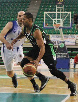 Adecco Plata: el Cáceres rescinde al escolta jamaicano Garfield Blair que acabará la temporada en el Marín Peixegalego