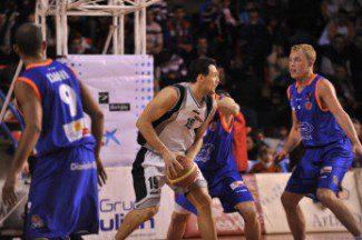 Los jugadores del Força Lleida se plantan: o cobran lo pactado o no viajarán a Ourense