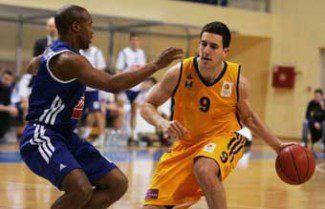 El Laboral Kutxa quiere a la perla serbia de 20 años Vasilije Micic. Así se las gasta (Vídeo)