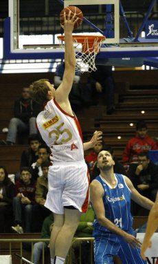 CAI Zaragoza y Uxue Bilbao Basket ponen color visitante a la matinal del domingo