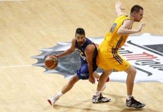 España sigue sin puntería por fuera y sufre ante Ucrania