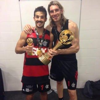 «Esta victoria va a pasar a la historia». El Flamengo de Laprovittola y Herrmann remonta al Maccabi en la Intercontinental (Vídeo)