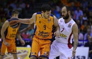 El Unicaja gana al Cedevita y el Valencia paga la novatada ante el Olympiacos (Vídeo)
