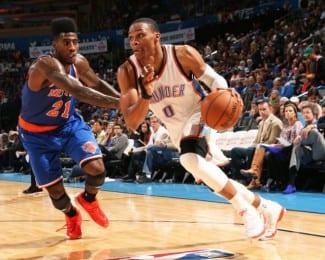 Westbrook vuelve y aplasta a los Knicks con 32 puntos. Ibaka la hunde a una mano