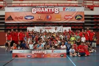 Visita de Felipe Reyes y Sergio Rodríguez al Campus Gigantes de Verano 2014