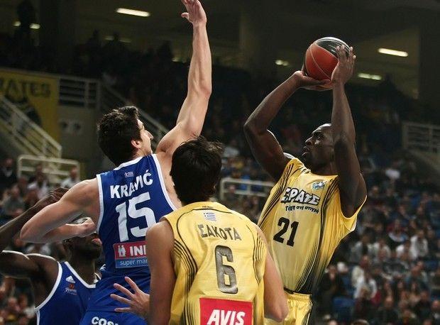 ¿Te acuerdas de Mensah-Bonsu? Se sale en su debut con el AEK Atenas con 23 puntos y 15 rebotes (Vídeo)