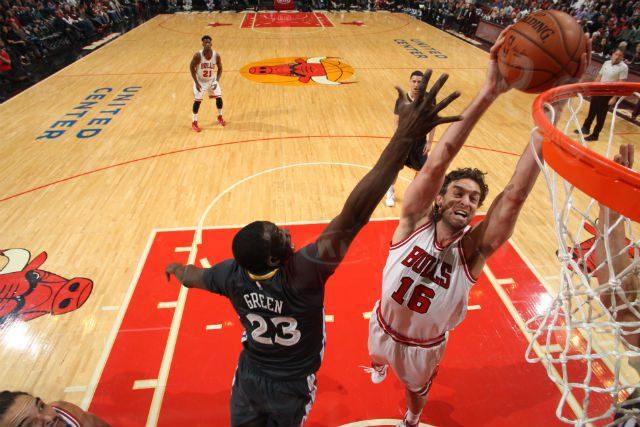 Cuarto 20-20 de Pau Gasol en su carrera, que no evita la quinta derrota de los Bulls en casa. Todo lo que hizo (Vídeo)