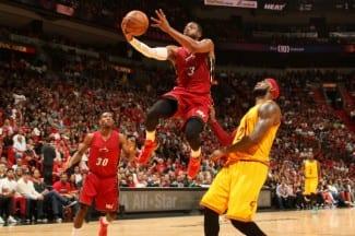 Wade amarga la vuelta de LeBron a Miami. Anota 31 puntazos desde todos los lados