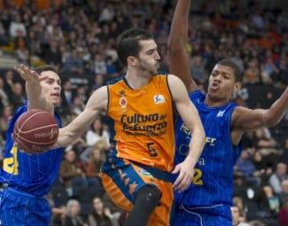 El cambio del Valencia, en un año: de ser segundo en ACB a pelear por estar en la Copa