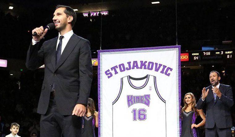 Los Sacramento Kings blindan el 16. El número de Peja Stojakovic, retirado