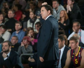 """Xavi Pascual avisa: """"Algunos jugadores han perdido la decisión y el carácter en la pista»"""