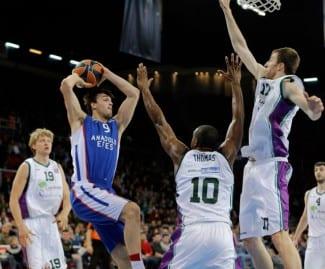 El croata Dario Saric, elegido mejor jugador joven de Europa por segundo año seguido