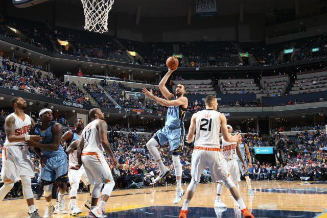 Marc acaba con la oposición de los Suns con siete puntos en la segunda prórroga
