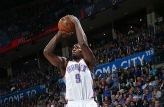 Ibaka captura 19 rebotes ante los Wolves, su 3ª mejor marca con 427 partidos NBA jugados