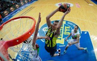 Las mejores imágenes de la 6ª jornada del Top 16. Dos minutos de puro basket (Vídeo)