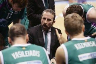 """Plaza avisa a Baskonia: """"El equipo nunca tirará la toalla mientras yo sea el entrenador»"""