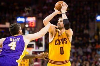 Kevin Love se desata ante los Lakers con un 7/8 en triples. Los Cavs ya tiene su 'Big Three'
