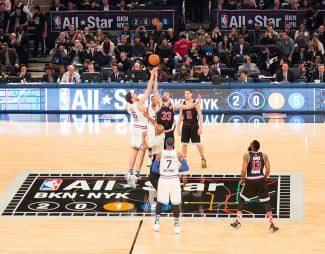 El fraternal salto inicial da la vuelta al planeta. Locura triplista y Westbrook, MVP