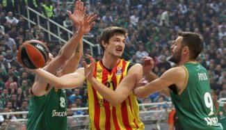 Tibor Pleiss se revindica en el OAKA. Estéril partidazo de Darius Adams ante el CSKA