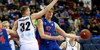 Kirilenko ya carbura en el CSKA. Esto es lo que le espera al Baskonia (Vídeo)