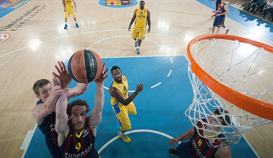 El Madrid se luce y ya está en cuartos. El Barça gana al Maccabi (Vídeos)