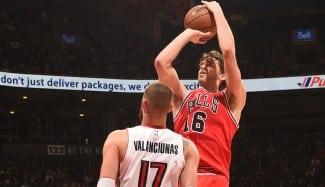 Los Bulls remontan en Toronto con 39 puntos en el último cuarto. Pau y Mirotic, decisivos