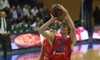 ¡Kirilenko asusta! Mira qué mates en su mejor partido en Euroliga antes de la F4 (Vídeo)