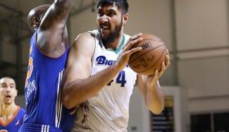 Los Kings dan una oportunidad al 2.26 Sim Bhullar. Será el primer indio NBA (Vídeo)