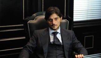 Multazo al PAO: 180.000 € por amenazas a un árbitro y su familia, tirar objetos y bengalas