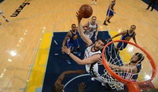 Marc y Randolph destrozan a los Warriors con 43 puntos entre los 2. Curry, desacertado