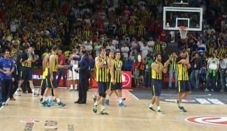 La afición del Fenerbahçe gana el 3º puesto y la admiración general. ¡Qué espectáculo!