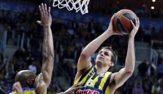 Alerta Madrid. Así juega el Fenerbahçe con Bjelica en las esquinas (Vídeos)