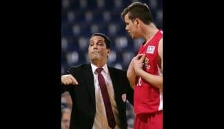 Sfairopoulos (Olympiacos), a lo Obradovic: expulsa a Agravanis en medio del partido