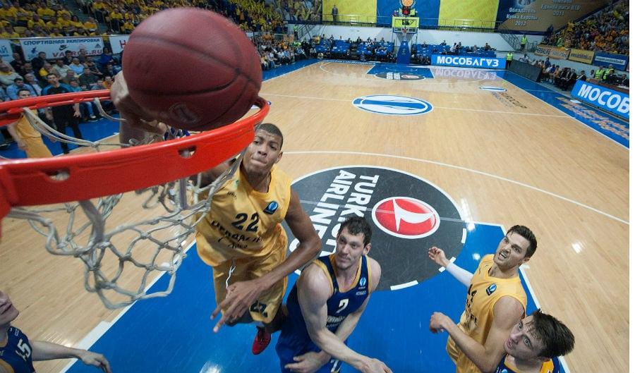 Tavares pasa de la NBA y del Fenerbahçe: «¿Por qué no seguir un año más aquí?»