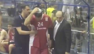 Lamentable. Maderazo en la cabeza a Jovic en la final de Serbia (Vídeos)