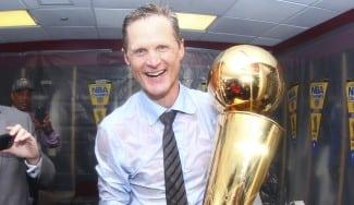 Steve Kerr, el sucesor de Pat Riley. Primer entrenador debutante campeón desde 1982