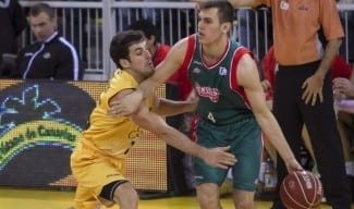 Radicevic, baja en Sevilla. Sin pretemporada por una lesión en su cadera izquierda