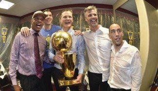 Luke Walton por Alvin Gentry. Steve Kerr anuncia el staff técnico de los Warriors