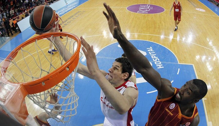 Marjanovic, un año a los Spurs por 2 millones $. 6º jugador no nacido en EE.UU. del equipo