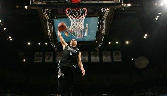 Los muelles de la NBA se ponen a punto. Zach LaVine carga las pilas con matazos (Vídeo)