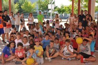 Gigantes visita el colegio Enrique Tierno Galván de Getafe