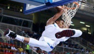 Así da la bienvenida al Eurobasket Antetokounmpo. Con este matazo (Vídeo)