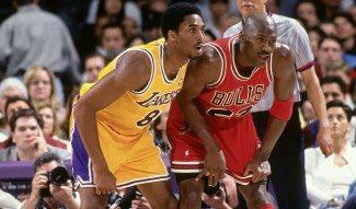 Michael Jordan: «Kobe ha robado mis movimientos. Somos buenos amigos» (Vídeo)