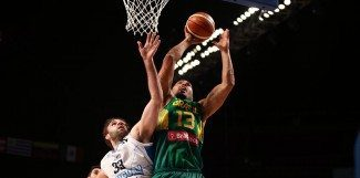 Uruguay sorprende a Brasil en el FIBA Américas. Magnano: «Perdimos muchos balones»