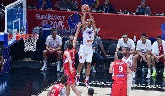 Francia se consuela con el bronce (81-68). Serbia vuelve a pecar con el triple