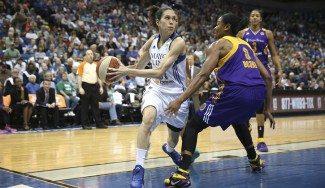 Playoff WNBA. Las Lynx de Cruz toman la delantera ante las Sparks (67-65). Moore 33