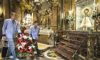 Ruiz Lorente y Norel encabezan la ofrenda del CAI a la Virgen del Pilar (Vídeo)