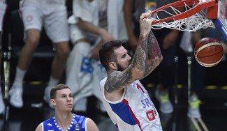 Más problemas para Serbia en el Eurobasket: Raduljica no estará por una lesión de rodilla