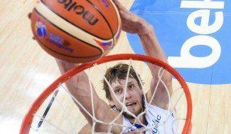 Vesely y Schilb, el dynamic duo checo. Mira sus acciones más espectaculares ante Estonia