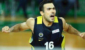 Sloukas ya brilla en Turquía: 18 puntos en 22 minutos y este triple para rematar al Dogus